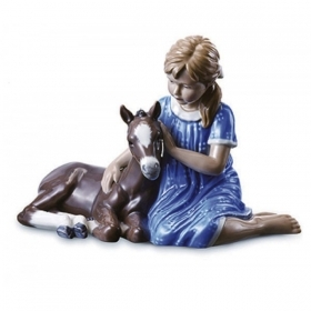 Royal Copenhagen girl with foal 15.5 cm Figurines 1249448