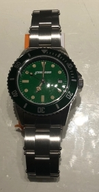 Macteam watch stainless steel 39 mm bezel green quad green 7963BV