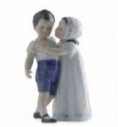 Royal Copenhagen figurines, an undercoat is recommended Love refused 1021163