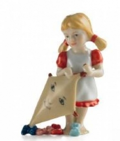 Royal Copenhagen figurine GIRL WITH KITE 1249270